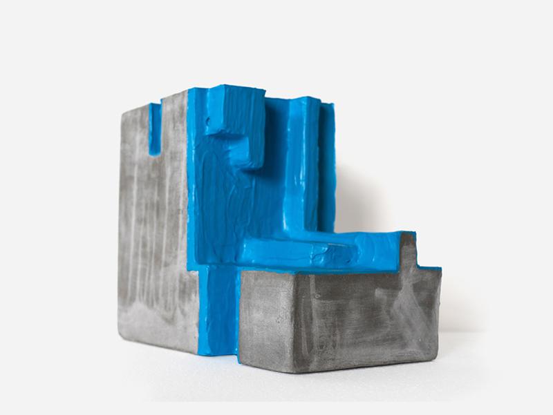 João Dias - Artefacto de pedra 8 A, 2016, tinta membrana e cimento reforçado, 36x28x18cm