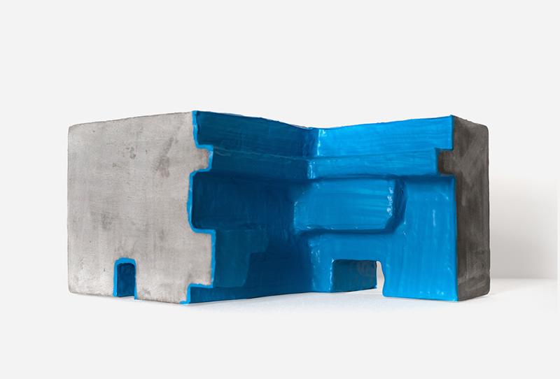 João Dias - Artefacto de pedra 8 B, 2016, tinta membrana e cimento reforçado, 36x28x18cm