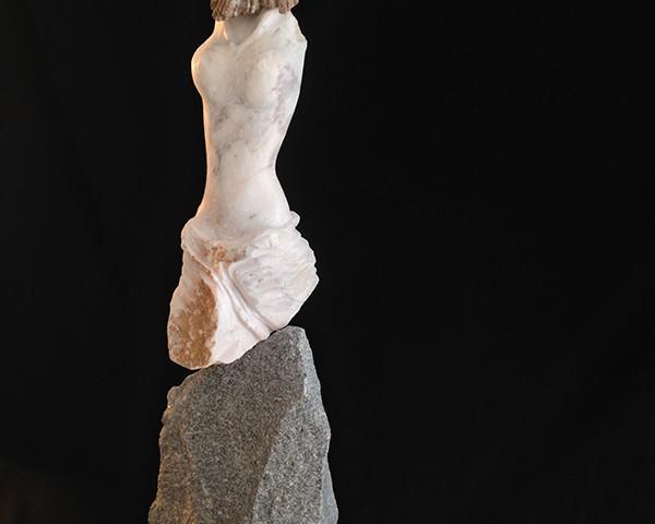 José Plácido - sem titulo, 2019, arenito, marmore, granito, 85x26x14cm