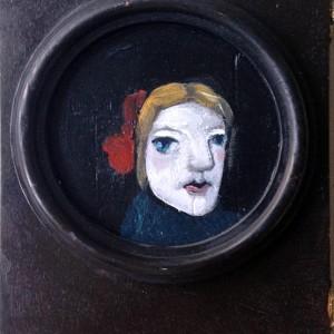 Evelina Oliveira- quarto de criança, Assemblagem e pintura acrílica s caixa de madeira, 22x15x5cm, 2014