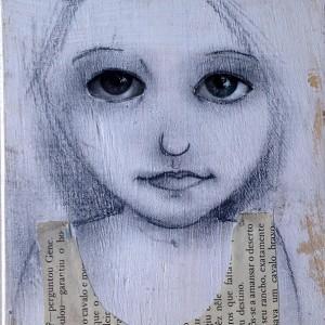 Evelina Oliveira- vejo-te, grafite, colagem, gesso e carimbos s caixa de madeira em forma de livro, 2015