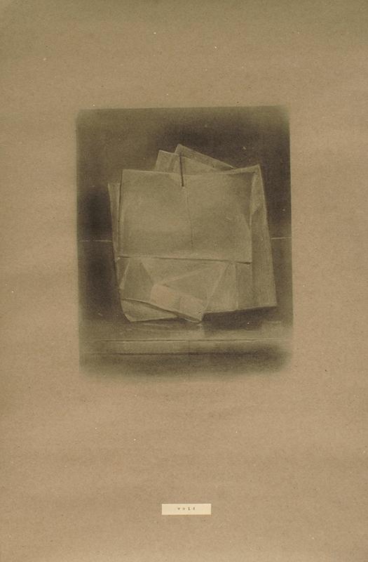 Pedro pascoinho_ VOID _ 59,5 x 39,5 cm _ carvão s papel _ 2018