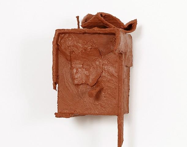 Pedro Valdez Cardoso - BARRO 6, 2014, silicone liquida s diversos materiais e objectos, 26x14x26,5cm