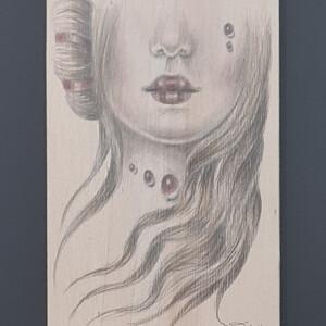 Duma Arantes - Lacrimosa, 2014, 25x25cm, grafite e lapis de cor s madeira BD